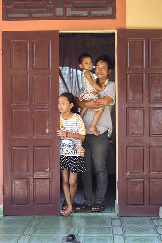 Lam, Ms. Toa's son, and his children