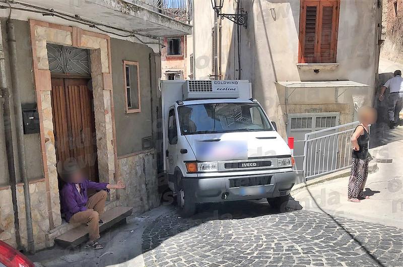 furgone bloccato