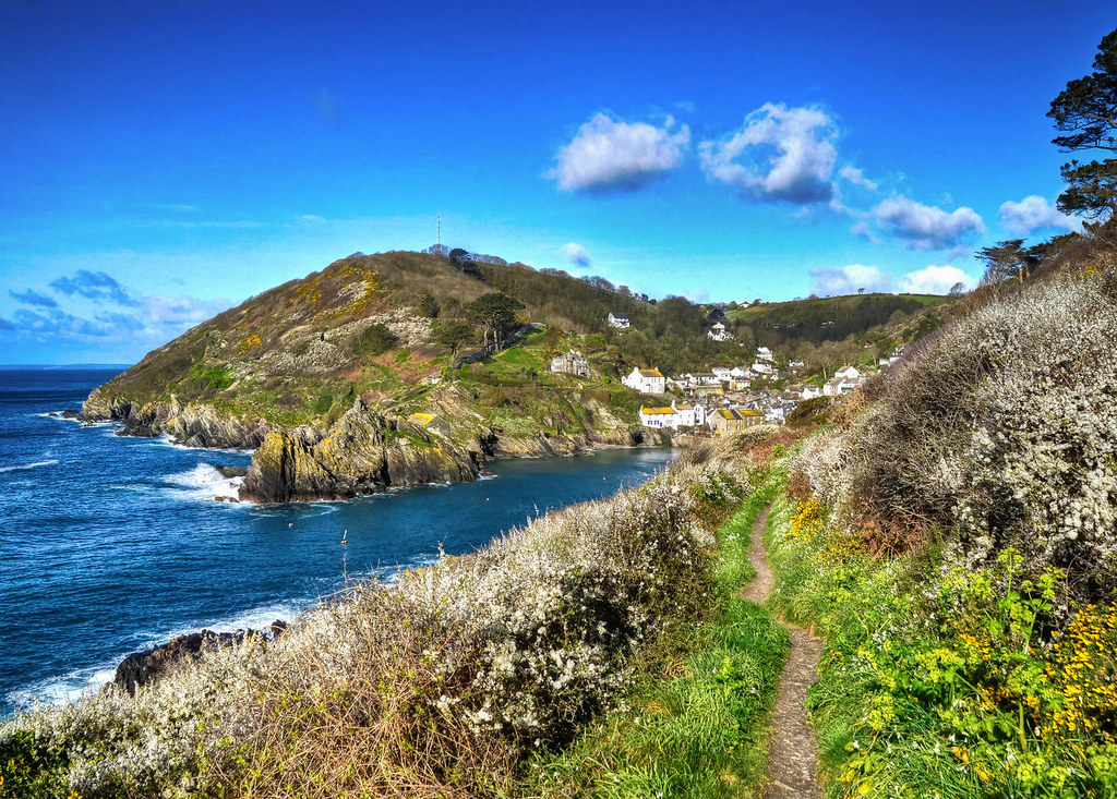 The Cornish coast at Polperro. Credit Baz Richardson, flickr