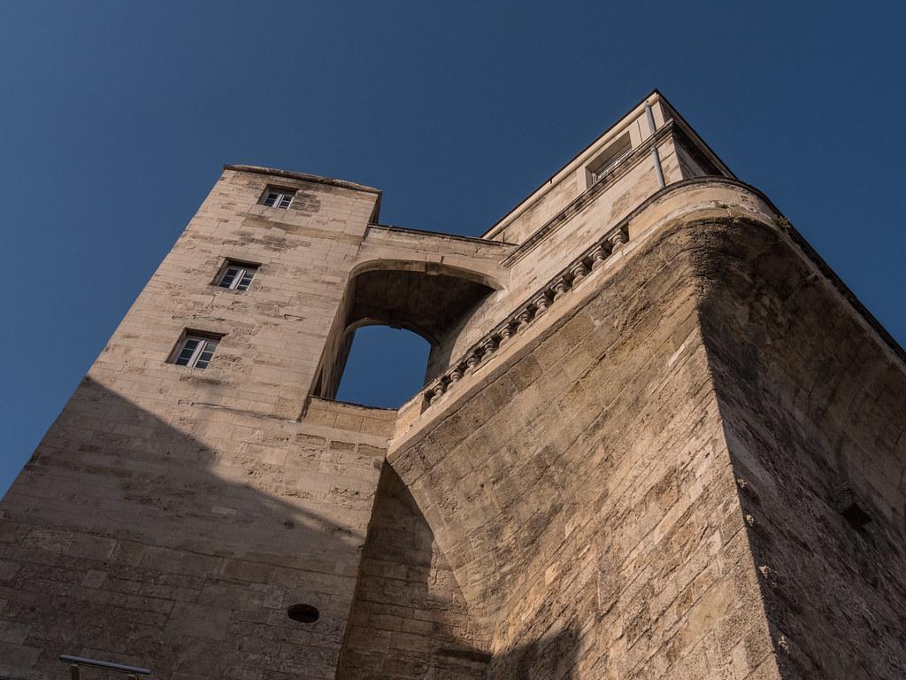 Montpellier : ville d'ombre et de lumière... 39850574680_346e001d4a_b