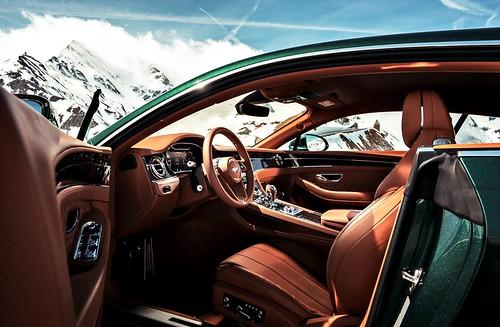 Bentley Continental GT (圖10)- 上乘材質與頂尖技術打造的室內空間