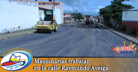 Maquinarias trabajan en la calle Raymundo Aveiga