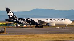 Boeing 777-219(ER) ZK-OKE Air New Zealand