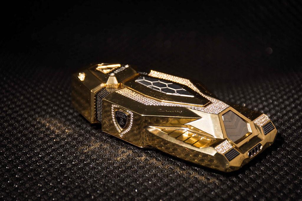 Evolutione-LP-Rear-3-quarter-Gold-e1454478853381
