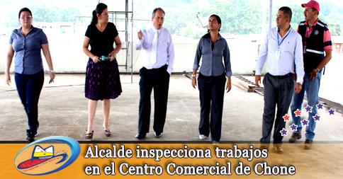 Alcalde inspecciona trabajos en el Centro Comercial de Chone