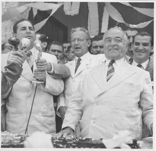 Getúlio Vargas em palanque durante sua campanha eleitoral