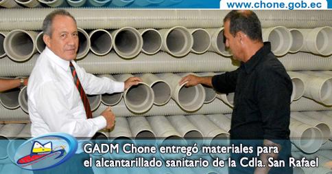 GADM Chone entregó materiales para el alcantarillado sanitario de la Cdla. San Rafael