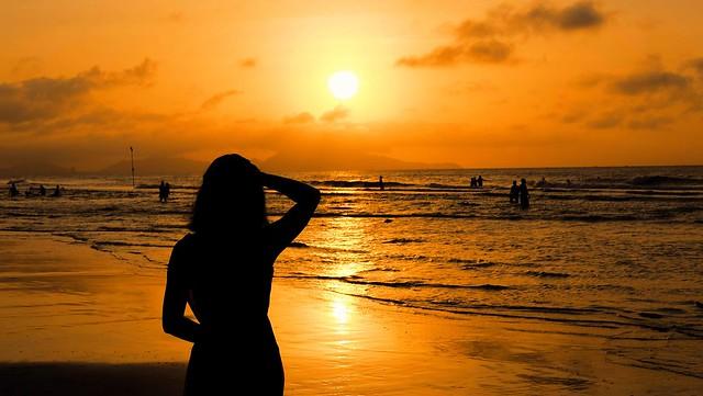 Sunrise in VungTau Beach, Fujifilm X-E2S, XF35mmF2 R WR