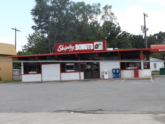 Shipley Donuts Conway, AR, Fujifilm FinePix S8600 S8650 S8630