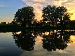 Sonnenuntergang mit Spiegelung