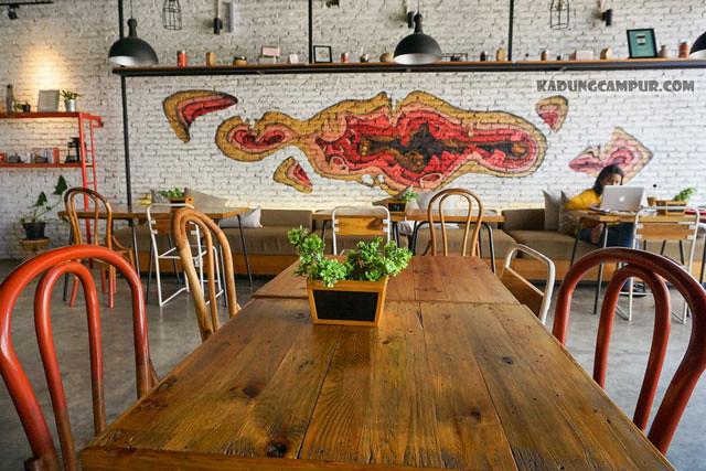 routine coffee and eatery bintaro dining area - kadungcampur