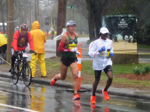 Yuki Kawauchi (center) - eventual men's winner