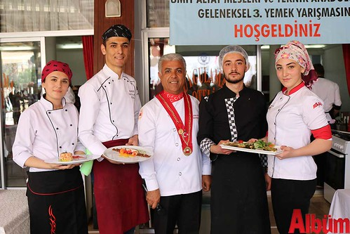 Alanya Ümit Altay Mesleki ve Teknik Anadolu Lisesi öğrencileri turizm şenliğinde yarıştı
