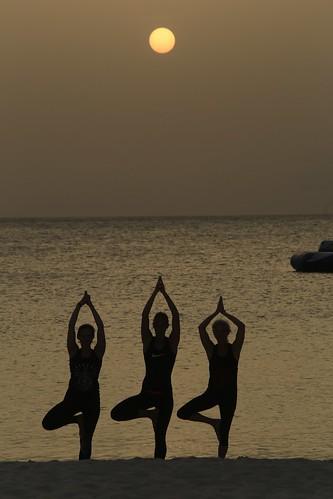 zen namaste meditation yoga prayer spirituality womendoingyoga yogaonthebeach clubmed clubmedturkoise sunsetyoga sunset sunsetmeditation fitness womenandfitness fitnessonthebeach women fitnesswomen silhouette nature