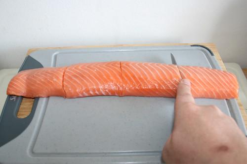 19 - Lachs vierteln / Quarter salmon