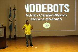 Conferencia de Adrián Catalán
