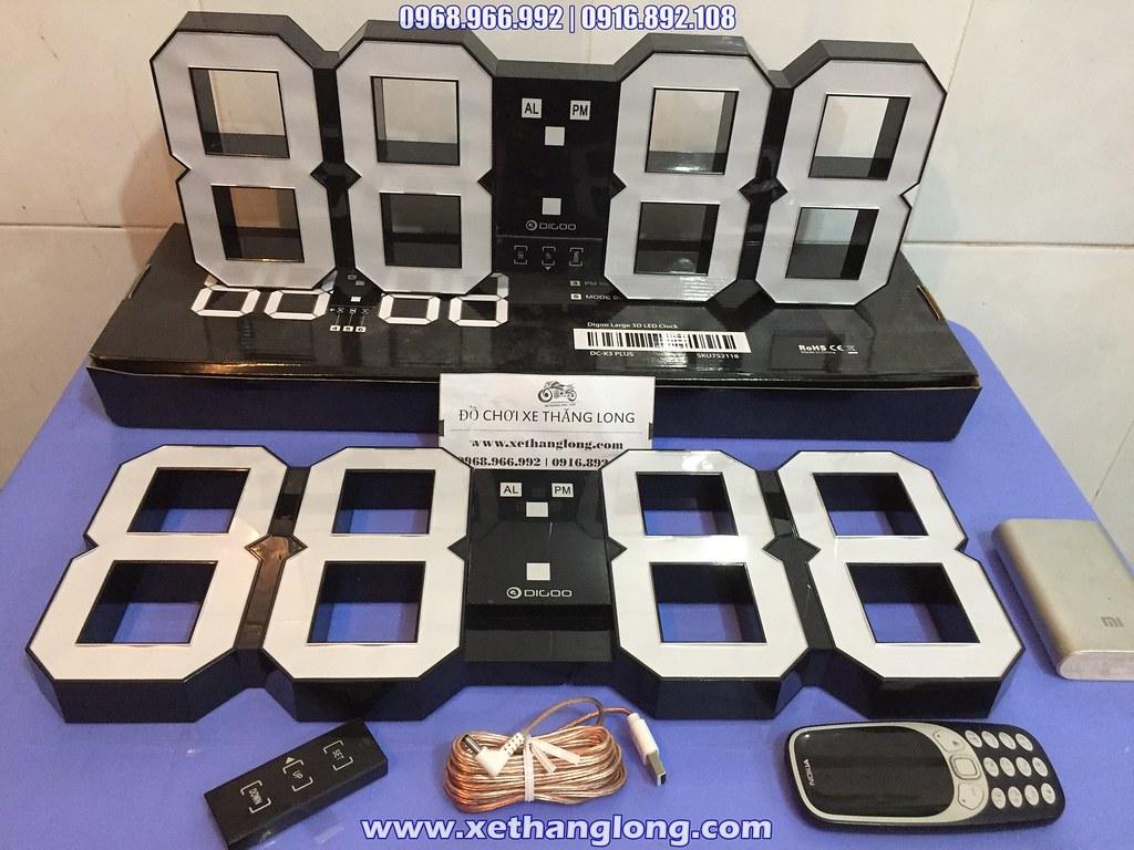 Bộ sản phẩm đồng hồ LED 3D gồm có Đồng hồ, diều khiển từ xa và cáp nguồn USB