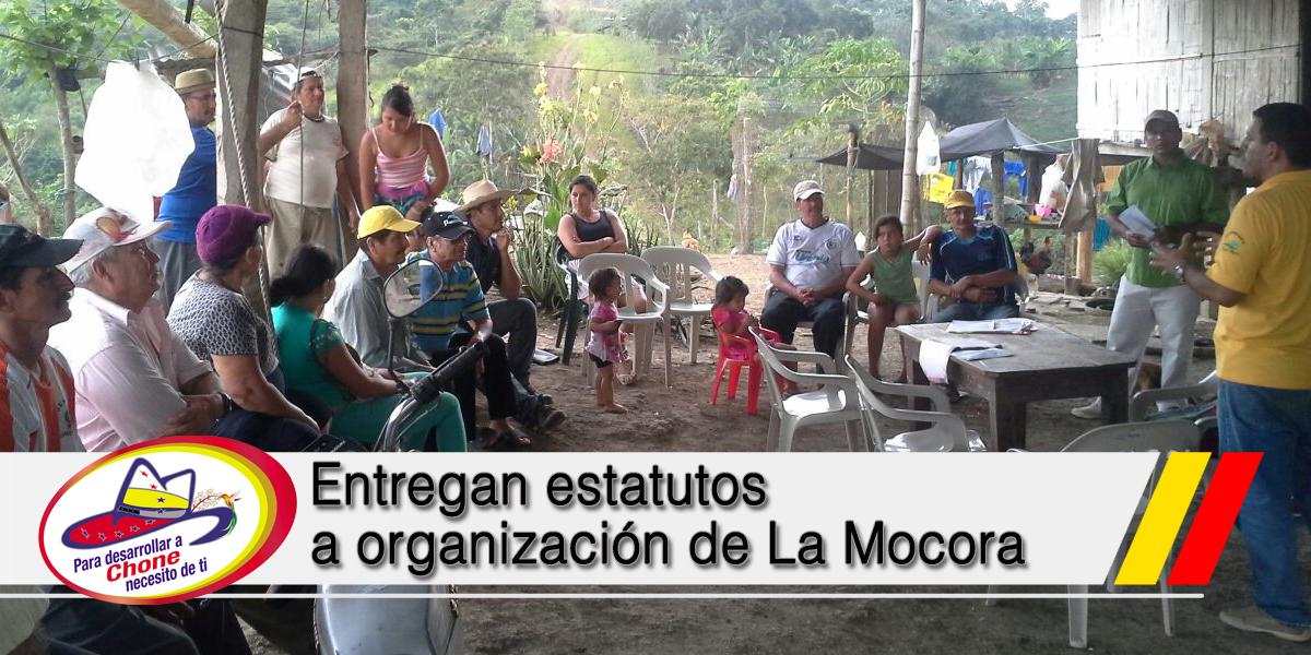 Entregan estatutos a organización de La Mocora