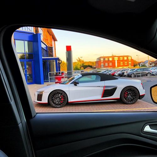 A photo of my car........window!!