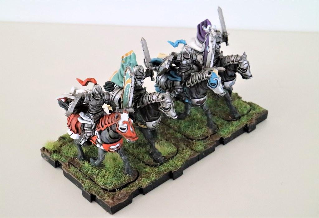 Runewars Miniatures Daqan Knights Front