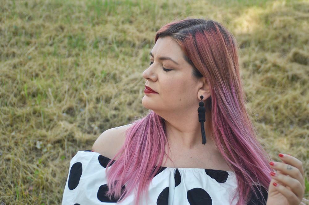 Outfit plus size mix di stampe, blusa lili la tigresse (4)