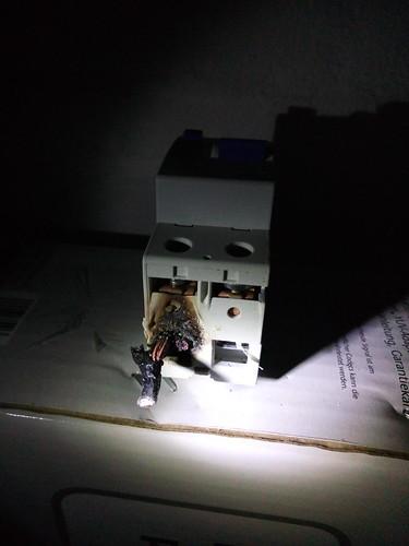 FI-Schalter - verschmort