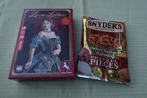 "Pretzel (Snyder's of Hanover, Honey Mustard & Onion) zum Kartenspiel ""Love Letter"""
