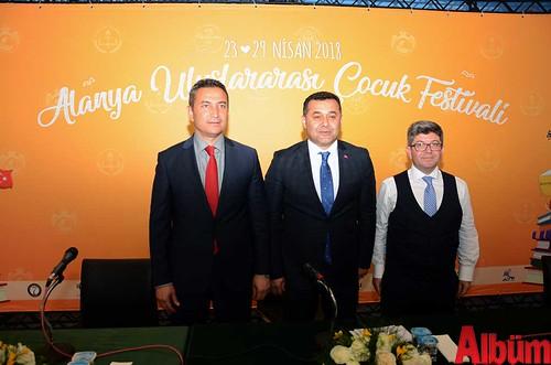 Alanya İlçe Milli Eğitim Müdürü Hüseyin Er, Alanya Belediye Başkanı Adem Murat Yücel, Alanya Belediyesi Tiyatro Müdürü Hüseyin Çinal