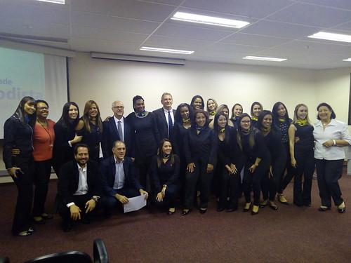 Mesa-redonda promovida pela pós-graduação em Assessoria Executiva sobre Decisões Financeiras e a Superação de Desafios