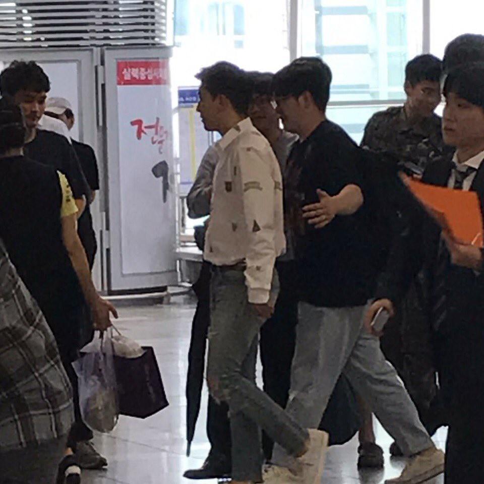 BIGBANG via pandariko - 2018-07-11  (details see below)