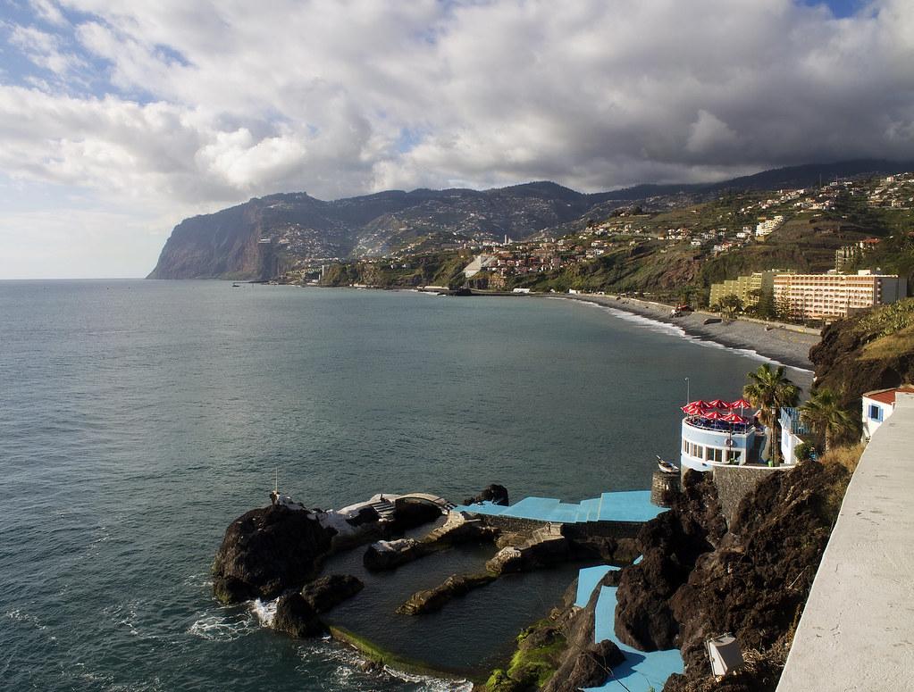 Мадейра. Природные бассейны Doca do Cavacas.