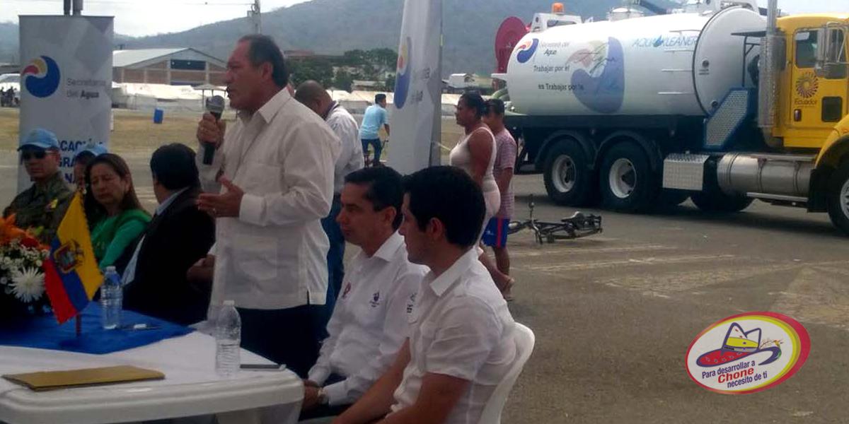 Alcalde participó en entrega de vehículo hidrosuccionador
