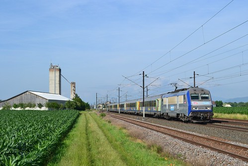 SNCF BB 26150 + TER 200 96212 te Kogenheim