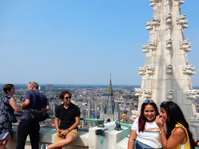 uitzicht op toren Sint-Baafskathedraal