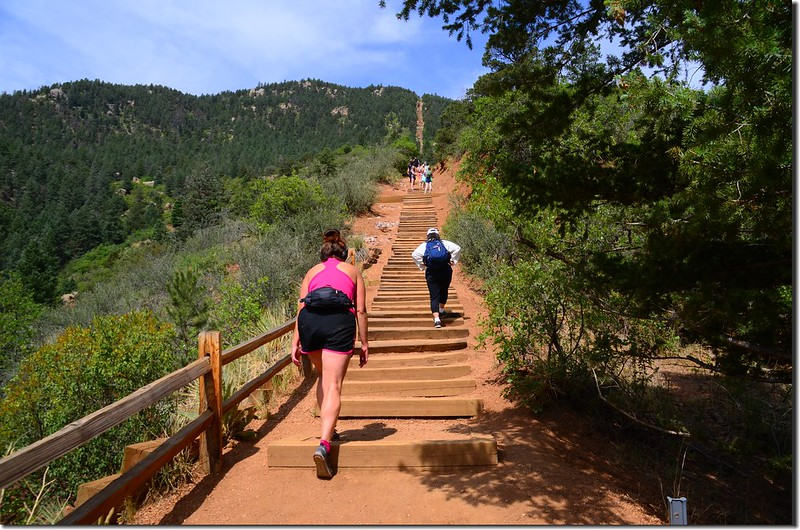 Hikers climbing up the Manitou Incline in Manitou Springs (4)