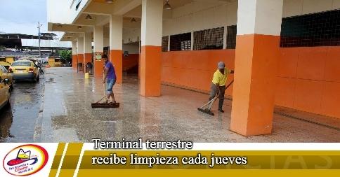 Terminal terrestre recibe limpieza cada jueves