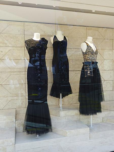 petites et grandes robes noires