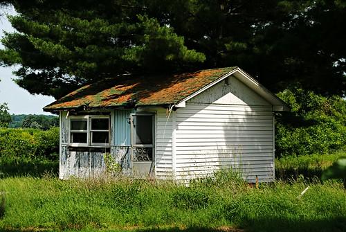 Abandoned little house - Endeavor, Wisconsin