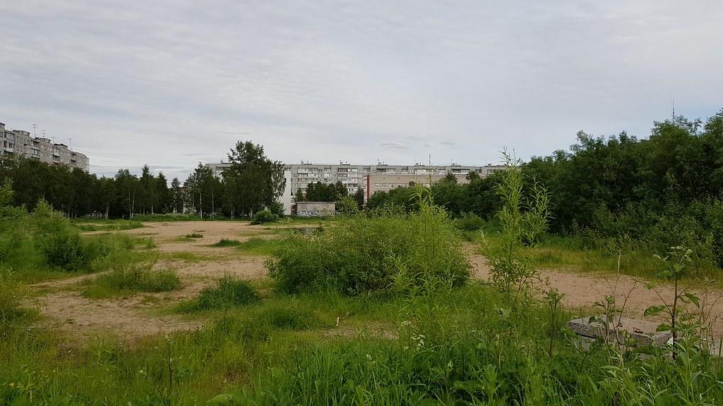 Парк за кинотеатром Русь