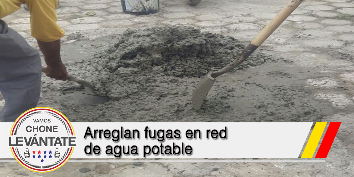Arreglan fugas en red de agua potable