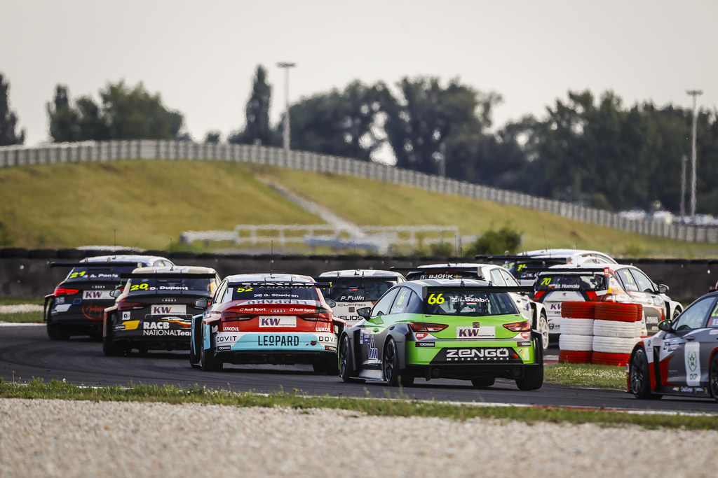 Start race 2 during the 2018 FIA WTCR World Touring Car cup race of Slovakia at Slovakia Ring, from july 13 to 15 - Photo François Flamand / DPPI.