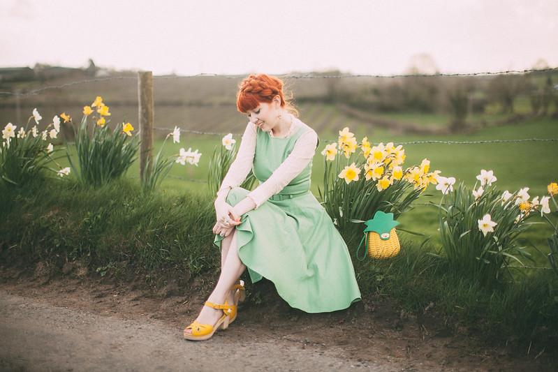daffodil road-12