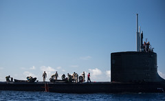 Multi-national special operations forces participate in a submarine insertion exercise with USS Hawaii (SSN 776)