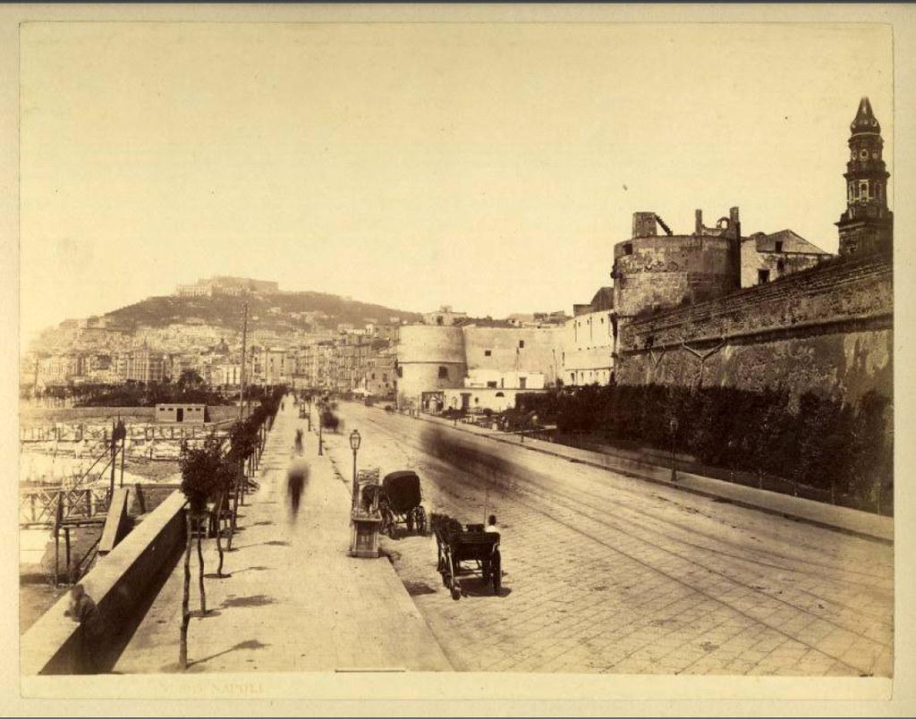 Via-Marina-con-il-Castello-del-Carmine-1870