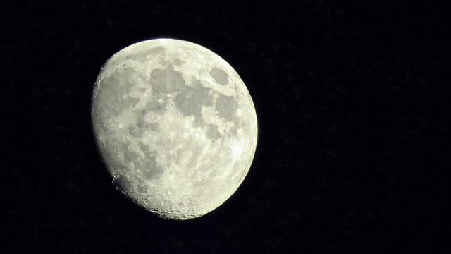 Moon IMG_2284-Edit