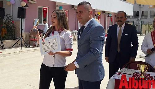 Alanya Ümit Altay Mesleki ve Teknik Anadolu Lisesi öğrencileri turizm şenliğinde yarıştı -2
