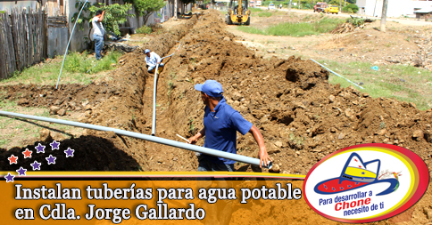 Instalan tuberías para agua potable en Cdla. Jorge Gallardo