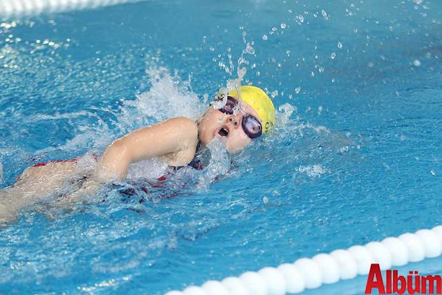 23 Nisan Çocuklar Alanya yüzme yarışı -3