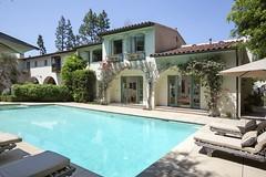 La casa di Cameron Diaz nel film L'amore non va in vacanza è in vendita. Ve la ricordate? Diamo un'occhiata!