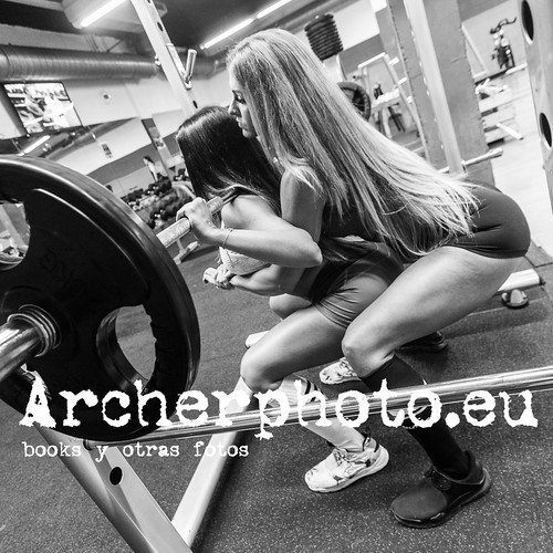 ArcherPhoto, professional photographer posted a photo:	Entrenamiento en julio. Fitness con @mariaherranz.fitness y @yohabortolussi #fitnessgirls #training #hardwomen #personaltrainer #nopainnogain #fitnesslife #fitnessmotivation #photographerinvalencia #fitnessblackandwhite IMG_9444_small_instagram